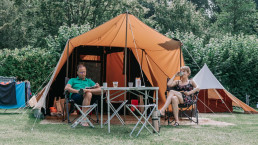 Camping with a tent at Camping Zwinderen in Drenthe