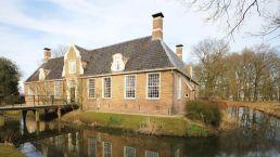 Fahren Sie vom Camping Zwinderen in Drenthe an Havezate De Klencke vorbei